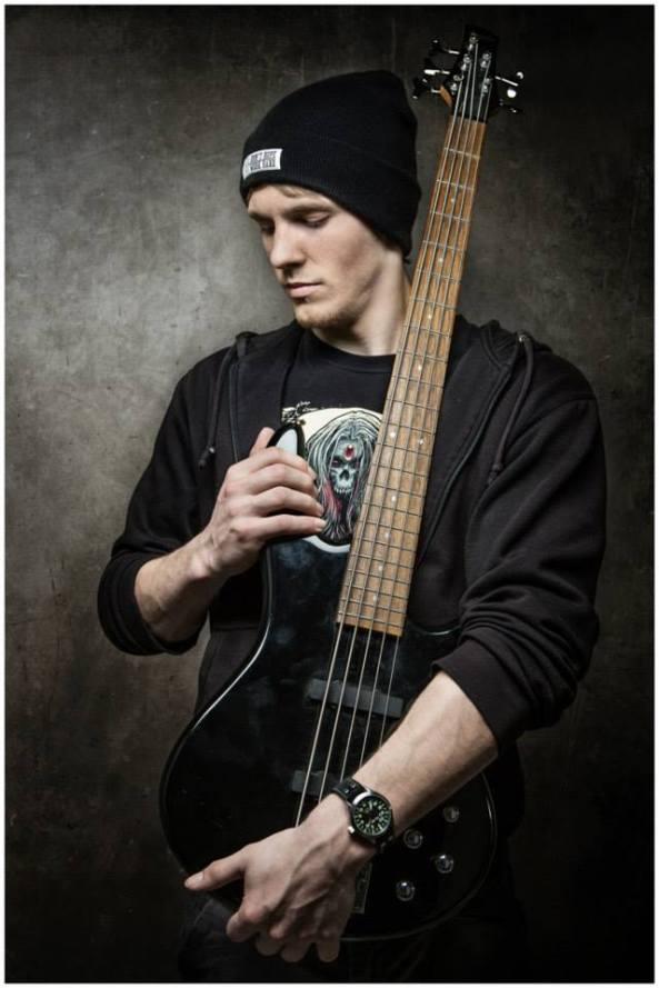 Lukas Mittler (Bass)