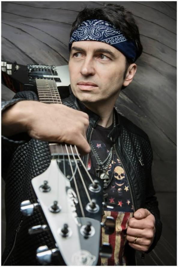 Martin Ries (Guitar)