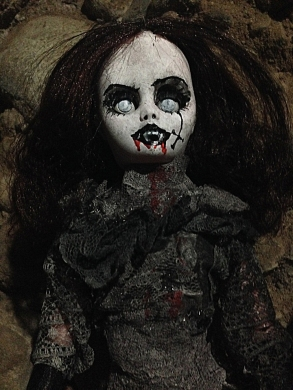 Jezebeth-Demon-Doll-6